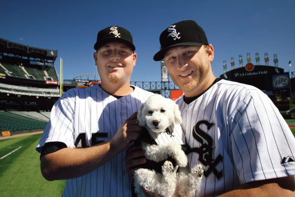 sox-players-with-baby